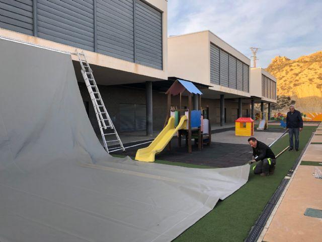 La Consejería de Educación instala nuevas zonas de sombra en el colegio público Sagrado Corazón - 1, Foto 1