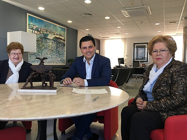 El alcalde firma convenios de colaboración con dos asociaciones de Amas de Casa - 1, Foto 1