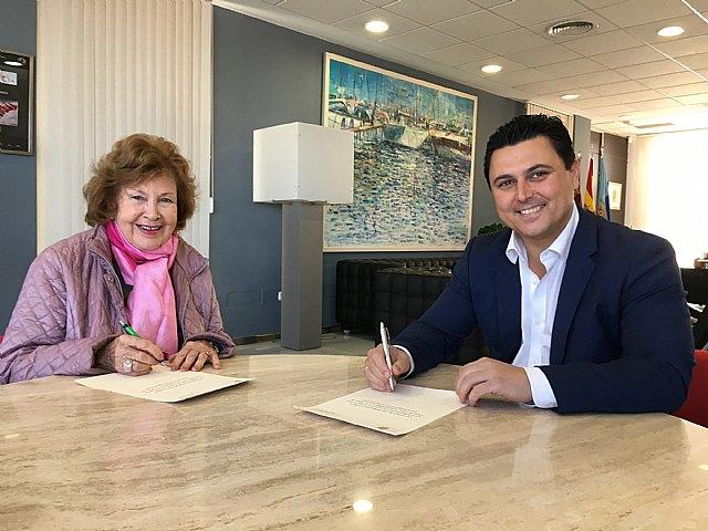 El alcalde firma convenios de colaboración con dos asociaciones de Amas de Casa - 2, Foto 2