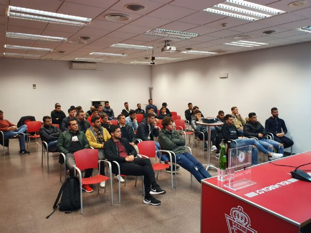 La plantilla del Real Murcia participa en una charla en materia de integridad - 2, Foto 2