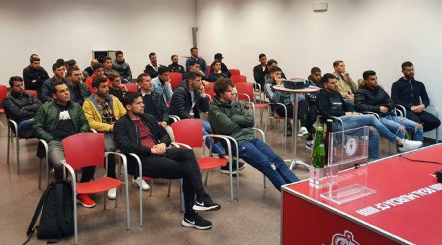 La plantilla del Real Murcia participa en una charla en materia de integridad - 3, Foto 3