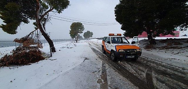El 1-1-2 ha gestionado hasta las 16.30 h. un total de 430 incidentes relacionados con el temporal de nieve, viento y lluvia - 1, Foto 1