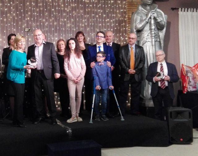 D'Genes Y FEDER premian a Campos del Río por su implicación, interés, lucha e iniciativa para hacer visible la realidad de las enfermedades raras - 1, Foto 1