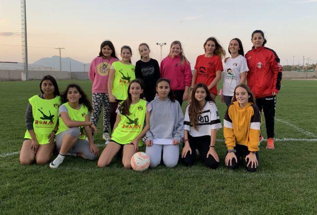 La Escuela de Fútbol de Dolores de Pacheco incorpora a su disciplina una sección femenina, el EF Dolores Féminas - 2, Foto 2