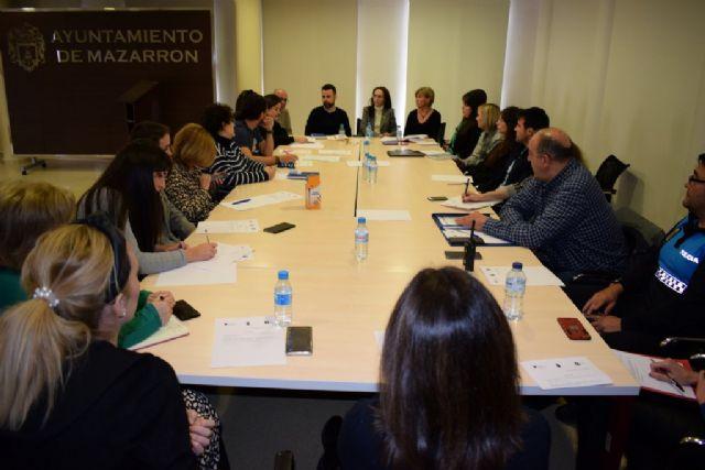 La mesa local contra la violencia de género reúne a un amplio número de profesionales de diferentes áreas - 1, Foto 1