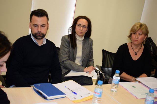 La mesa local contra la violencia de género reúne a un amplio número de profesionales de diferentes áreas - 2, Foto 2