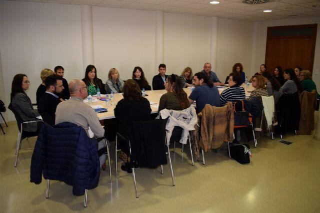 La mesa local contra la violencia de género reúne a un amplio número de profesionales de diferentes áreas - 3, Foto 3