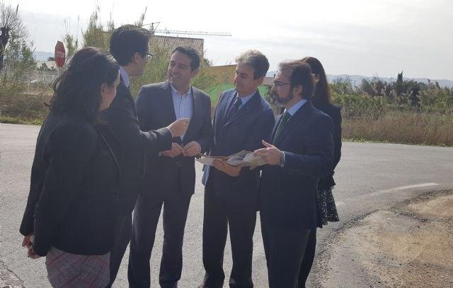 Fomento anuncia la mejora de la vía de acceso al polígono industrial Oeste desde Alcantarilla - 1, Foto 1