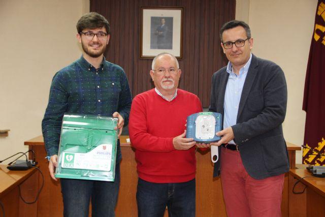 La Federación de Fútbol de la Región de Murcia dona tres desfibriladores al Ayuntamiento, Foto 5