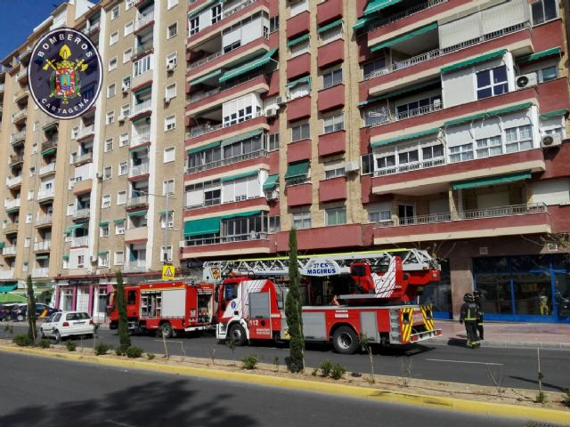 Sofocado un incendio en un decimo piso de la calle Capitanes Ripoll - 1, Foto 1