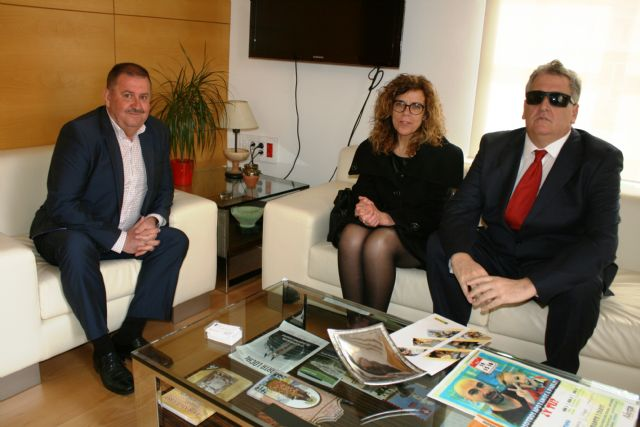 The mayor celebrates a first institutional contact with the territorial delegate of the ONCE in the Region of Murcia