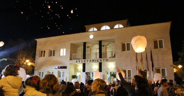 El cielo de Lorquí se llena de farolillos solidarios en beneficio de Cáritas - 3, Foto 3