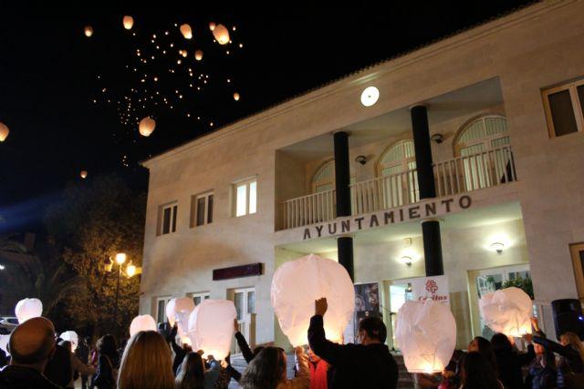 El cielo de Lorquí se llena de farolillos solidarios en beneficio de Cáritas - 4, Foto 4