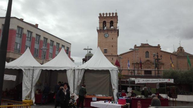 La II Muestra Artesana ha presentado este fin de semana productos alfareros y oficios artesanos varios a los visitantes, Foto 1