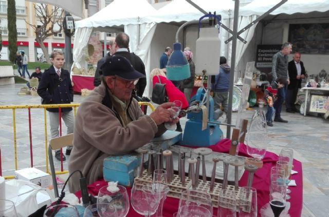 La II Muestra Artesana ha presentado este fin de semana productos alfareros y oficios artesanos varios a los visitantes, Foto 2