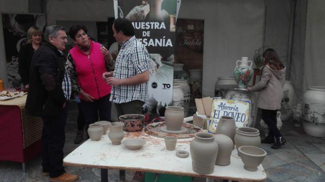 La II Muestra Artesana ha presentado este fin de semana productos alfareros y oficios artesanos varios a los visitantes, Foto 6