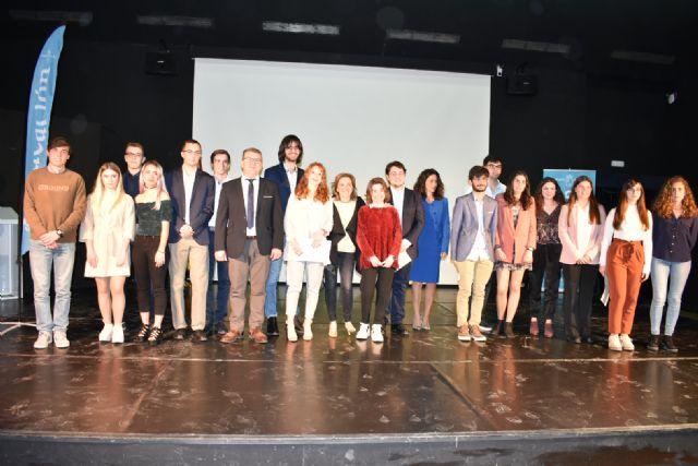 22 alumnos reciben los premios extraordinarios de ESO y Bachillerato