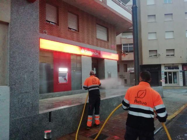 El ayuntamiento intensifica la desinfección y fumigación en Mazarrón, Puerto y pedanías contra el coronavirus, Foto 3