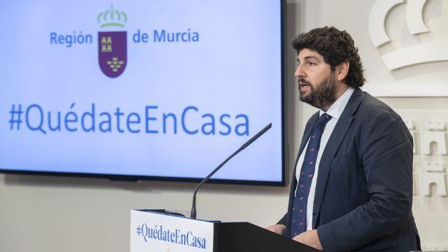 López Miras pide al Gobierno central que dé un paso más y prohíba cualquier actividad que no sea esencial para el abastecimiento y la supervivencia - 3, Foto 3