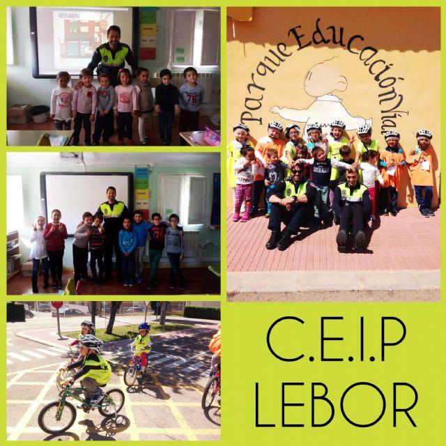 Una quincena de escolares del Colegio de Lébor participa en las sesiones formativas de la Escuela de Educación Vial de la Policía Local, Foto 1