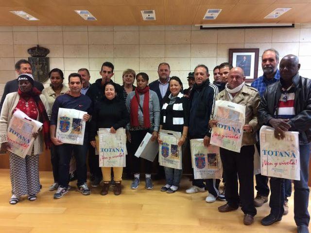 Una delegación cubana de distintos sectores profesionales visita Totana