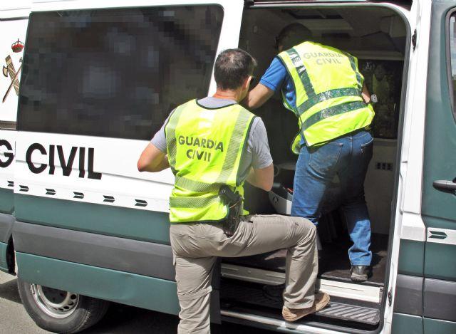 La Guardia Civil desarticula un grupo delictivo e itinerante especializado en el robo de tabaco - 1, Foto 1