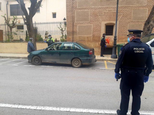 Local Police arrest a man for a crime against road safety in compliance with what is regulated in the Royal Decree of the state of alarm