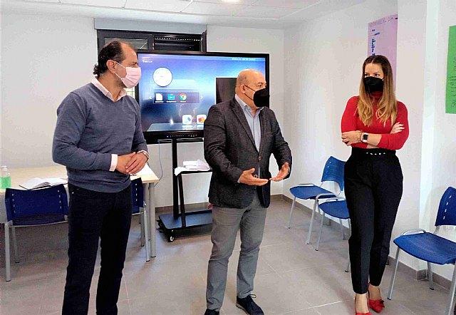 El programa 100x100 Activación comienza a dar sus frutos y recibe la visita del alcalde y el concejal de Empleo - 1, Foto 1