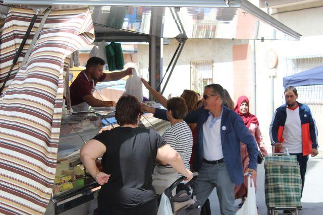 DEMOCRACIA PLURAL visita el mercado de Fortuna - 2, Foto 2