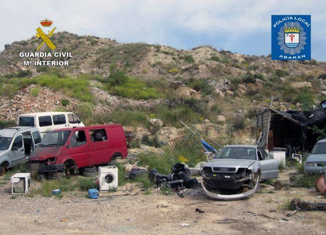 Denuncian la gestión irregular de residuos en un taller mecánico en Abarán - 1, Foto 1