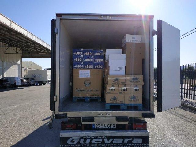 El Banco de Alimentos del Segura efect�a tres portes para la distribuci�n de alimentos a C�ritas de las Tres Avemar�as desde que comenz� la crisis sanitaria por el COVID-19, Foto 3