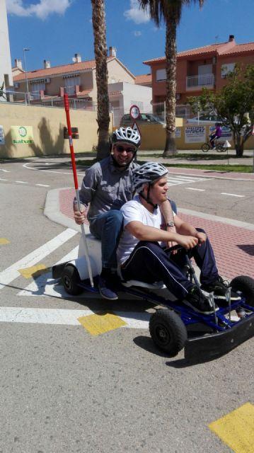 Los centros de Día para la Discapacidad del Ayuntamiento de Totana celebran una jornada especial de Educación vial, Foto 2