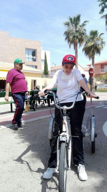 Los centros de Día para la Discapacidad del Ayuntamiento de Totana celebran una jornada especial de Educación vial, Foto 7
