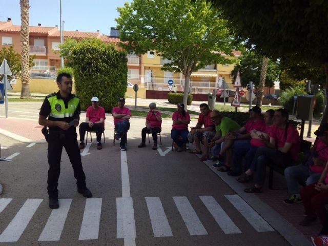 Los centros de Día para la Discapacidad del Ayuntamiento de Totana celebran una jornada especial de Educación vial, Foto 9
