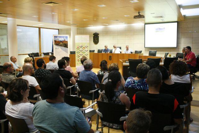 Se da cuenta en el Consejo Municipal de Participación Ciudadana de la convocatoria de ayudas FEADER y las nuevas estrategias de desarrollo local, Foto 1