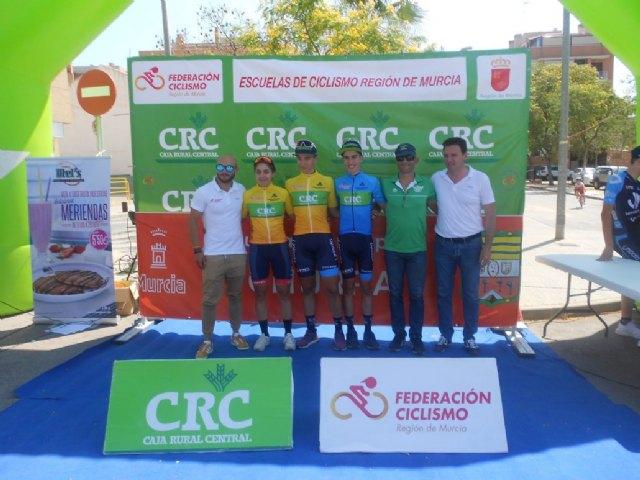Triunfo del totanero Jose Ángel Camacho (maillot azul ) en la segunda etapa de la Copa Murcia Cadetes