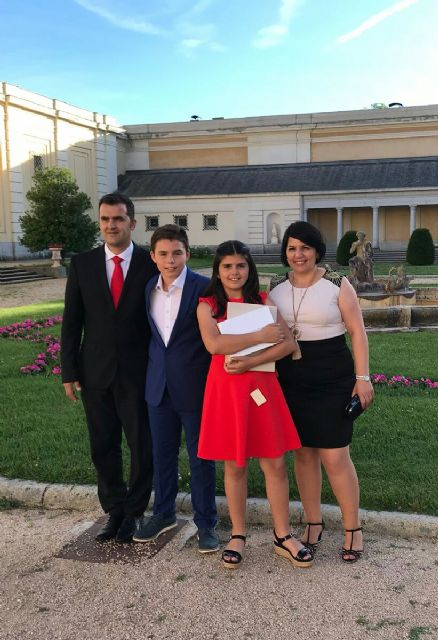 La alhameña Laura Paz recibe el 2° premio del Concurso de Pintura de Patrimonio Nacional de manos de la infanta Elena, Foto 8