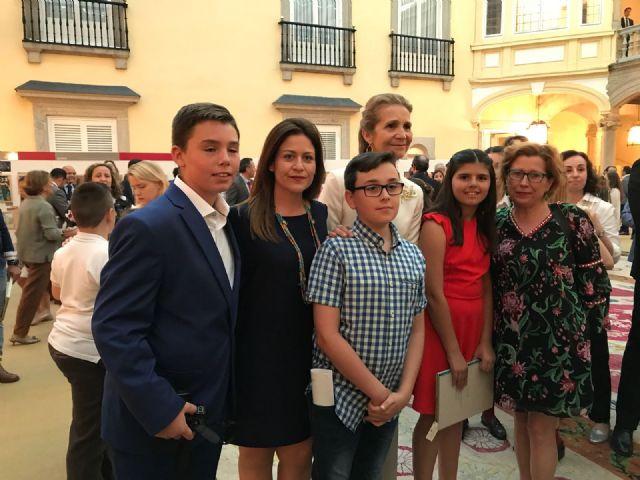 La alhameña Laura Paz recibe el 2° premio del Concurso de Pintura de Patrimonio Nacional de manos de la infanta Elena, Foto 9