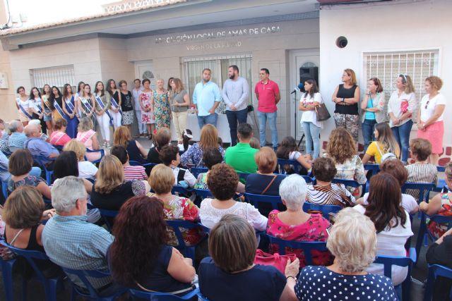 Se inaugura la exposición de manualidades de la Asociación de Amas de Casa - 2, Foto 2