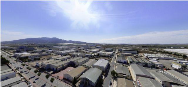 El Ayuntamiento de Alhama subasta una parcela de 14.200 mts. en su Parque Industrial a precio de saldo, Foto 2