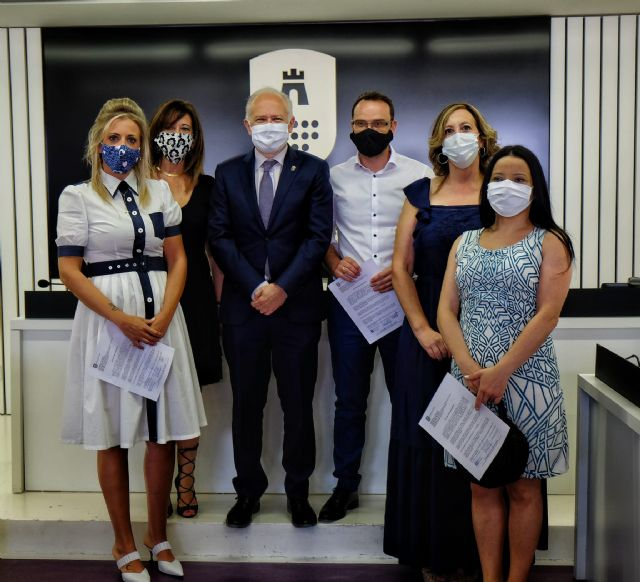 Toma de posesión de cinco trabajadores del Ayuntamiento de Las Torres de Cotillas - 1, Foto 1