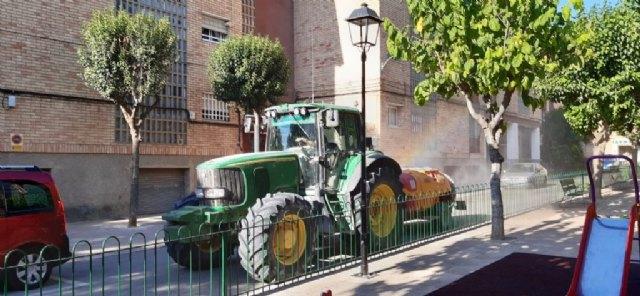Desinfección de calles, parques, jardines y espacios púbicos, como medida de prevención de la Covid-19 - 1, Foto 1