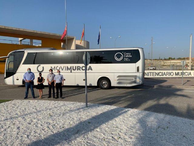 El autobús ya llega a la cárcel de Campos del Río - 1, Foto 1