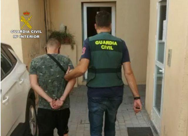 La Guardia Civil detiene a dos vecinos de Lorca por el robo en una vivienda - 1, Foto 1
