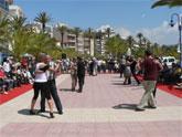 Más de trescientas personas bailan tango en Mazarrón