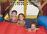Los pequeños gozan del tiempo libre en Mazarrón