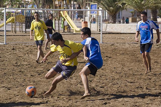 El Pinturas Jay gana el campeonato de fútbol playa, Foto 2