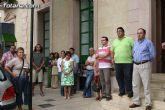 Concentración silenciosa en la puerta del Consistorio como repulsa al atentado de la banda terrorista ETA