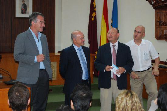 El director de la Universidad del Mar junto con el alcalde de la localidad han clausurado el curso sobre aguas termales., Foto 1