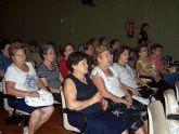 Se organizan cursos y seminarios destinados a mujeres sobre la coeducación, autoestima, informática y la igualdad de oportunidades